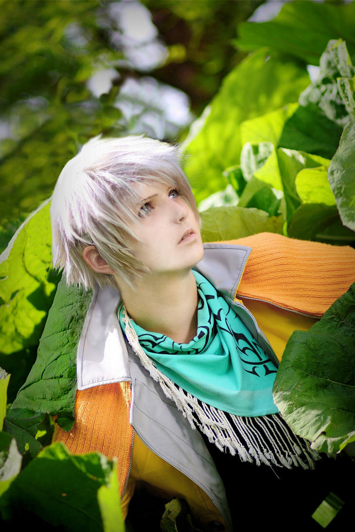 HOPE ESTHEIM - Cosplay - Hiding by Shinkan-Seto