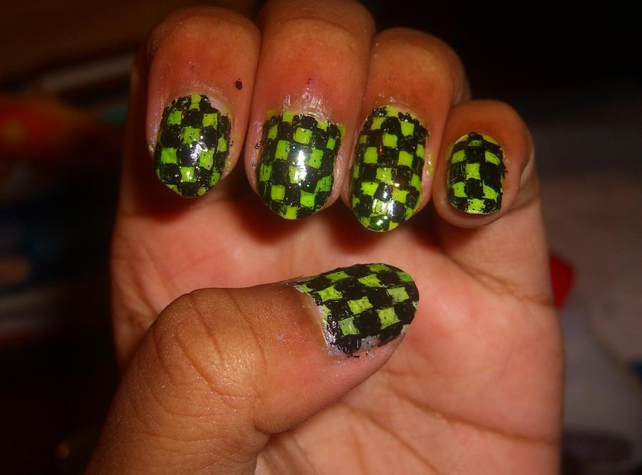 Green N Black Checkered Nails by Kyaa-L on DeviantArt
