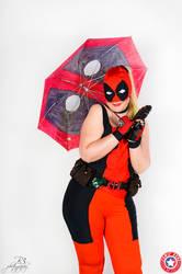Cosplay Lady Deadpool summer version