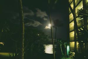 Hawaiian Moonset by TheDarkKnight78