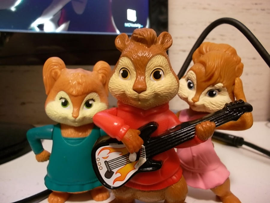 Alvin And The Chipettes By XxalvinxX On DeviantArt