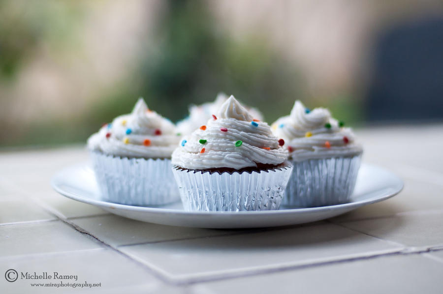 Polka Dot Cupcakes by *MichelleRamey