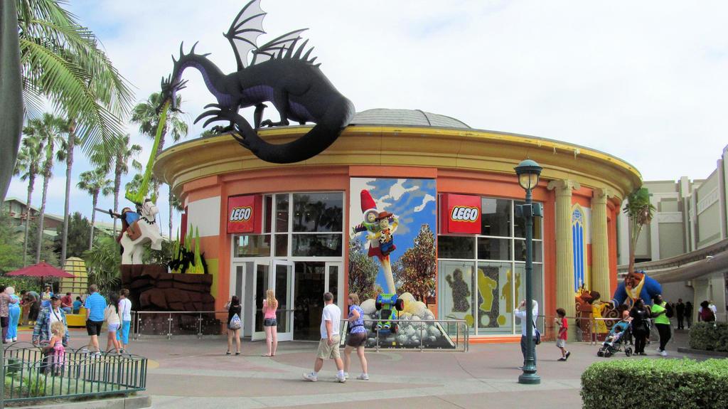 Downtown Disney Lego Store by BigMac1212 on DeviantArt