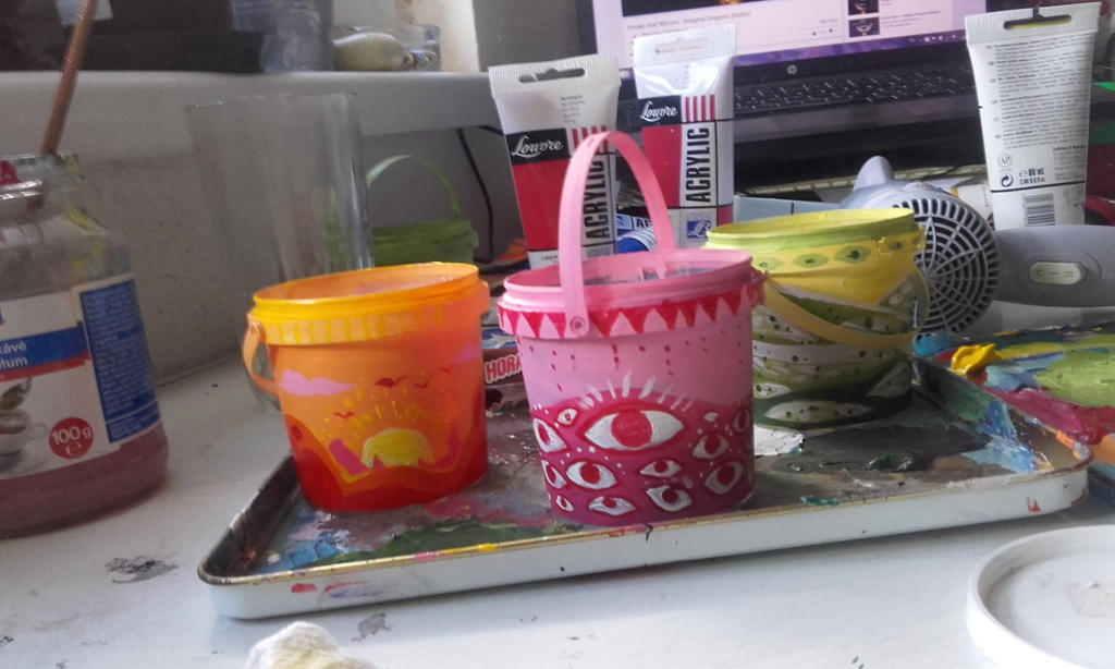 small buckets by Bloodysfish