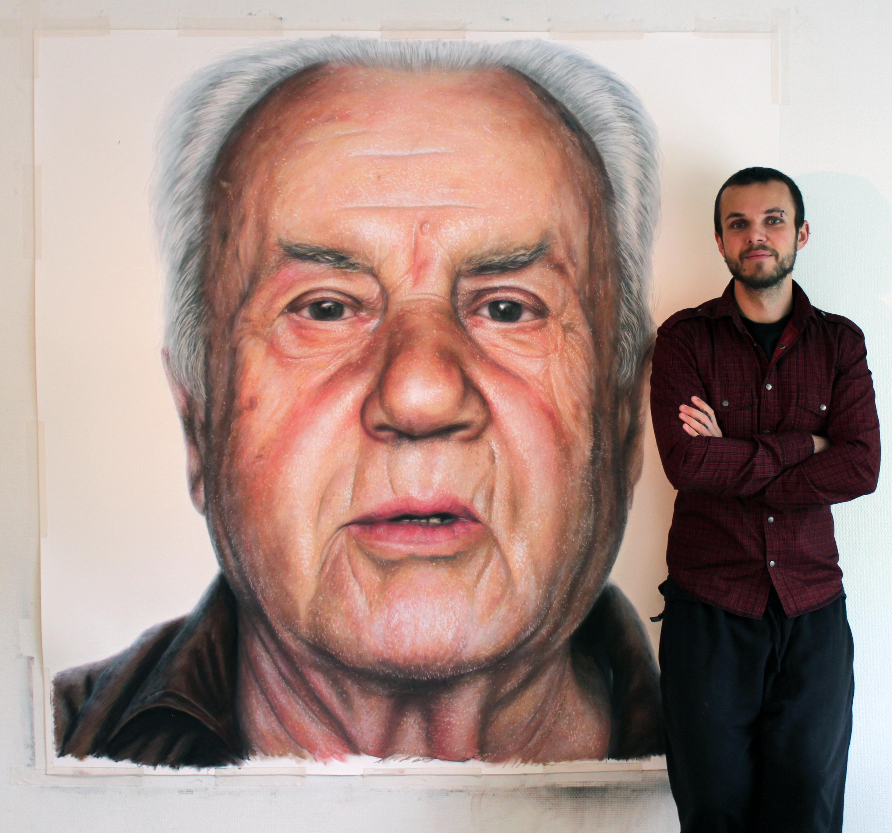 portretist-risuet-chlenom