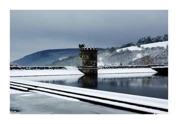 Llwyn-onn Reservoir 2 by Wilce
