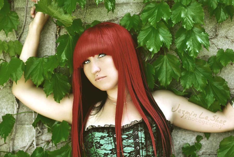 Fire + Ivy 001