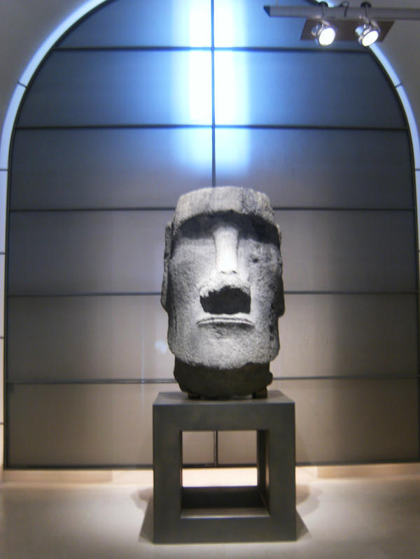 Inside The Louvre by jennamimi