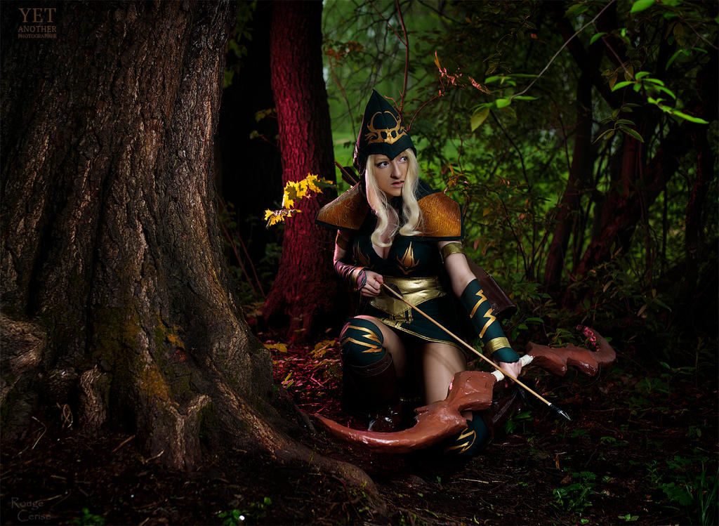 Sherwood Forest Ashe Cosplay: Lead the target by Hanuro-Sakura