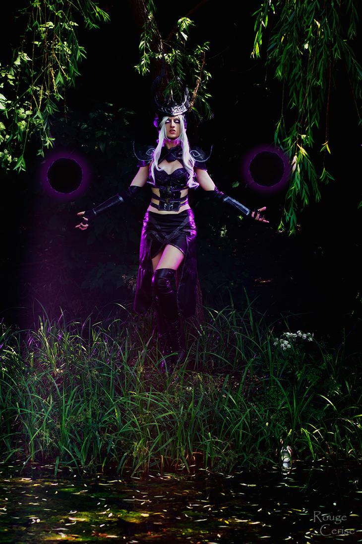 Syndra Cosplay: Run, playthings by Hanuro-Sakura