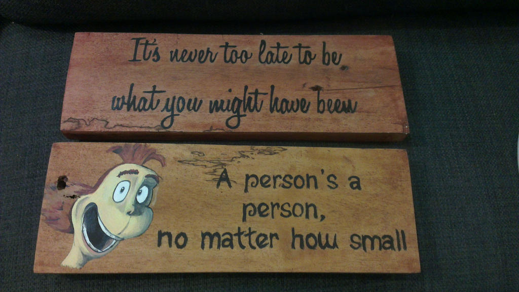 Small pallet signs by Naamba