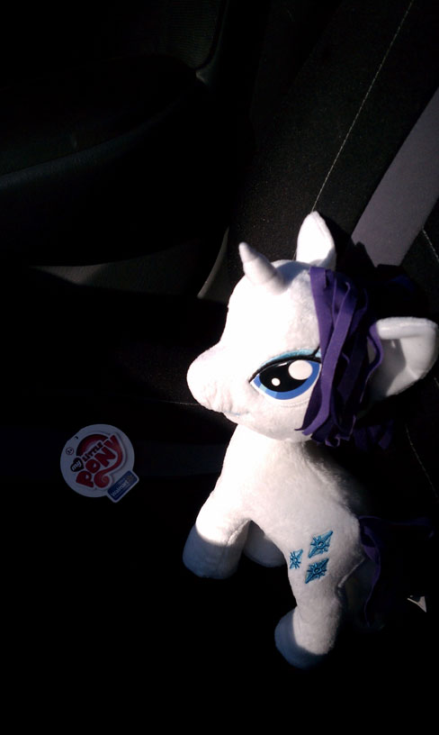 [Image: rarity_plush__funrise__by_skycatchereque...5vn2t0.jpg]