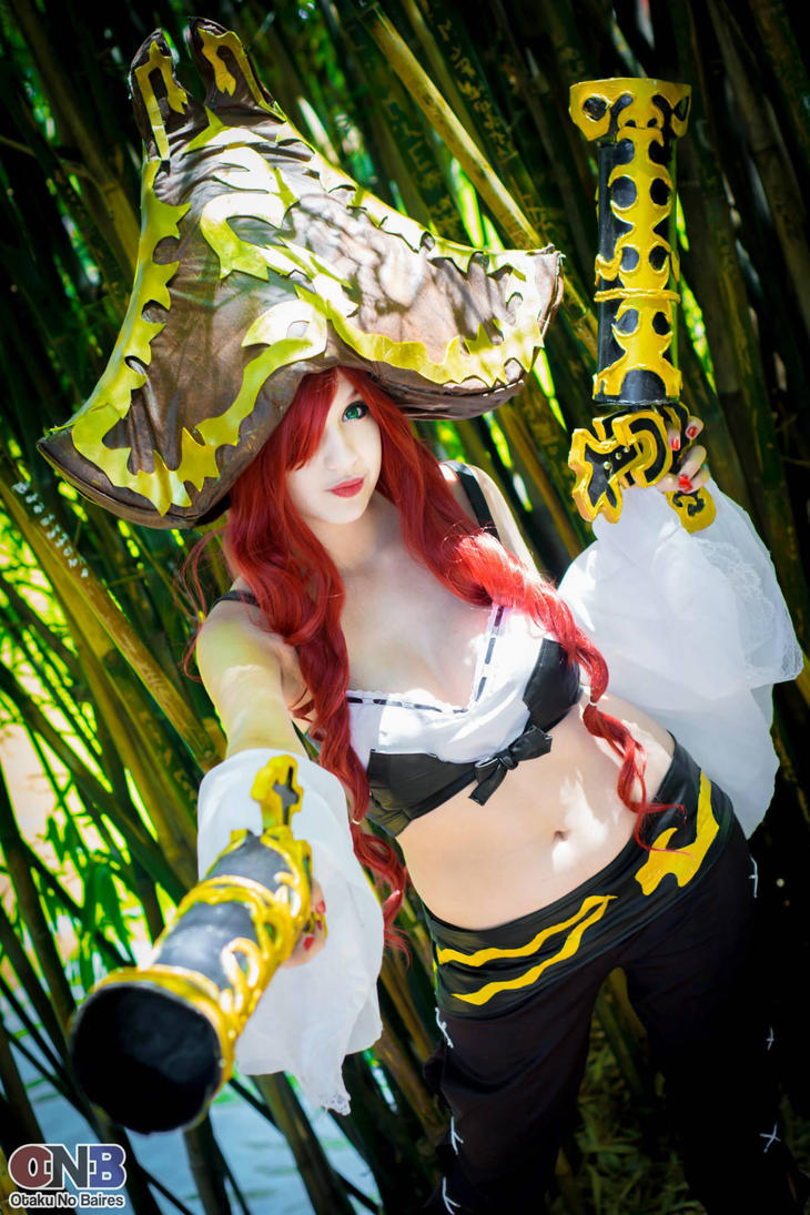 Miss Fortune - League of legends Cosplay 3 by MelodyxNya