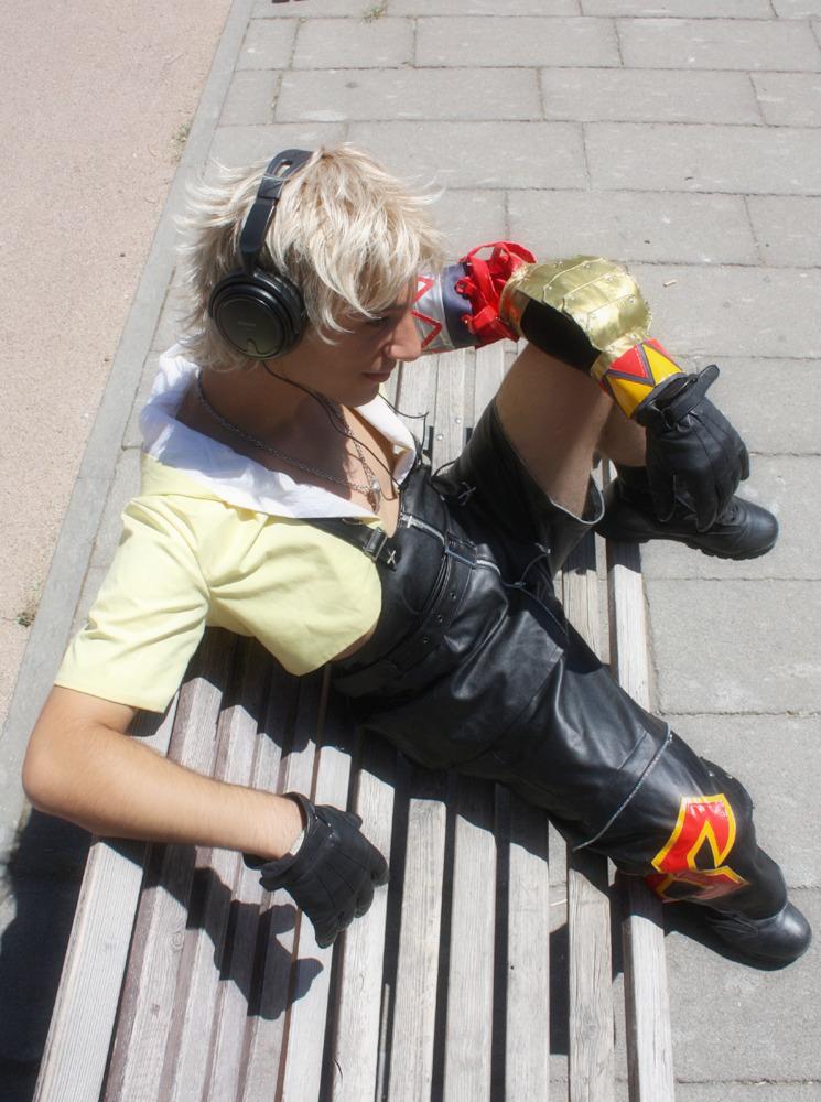 Tidus listen music by Sommum