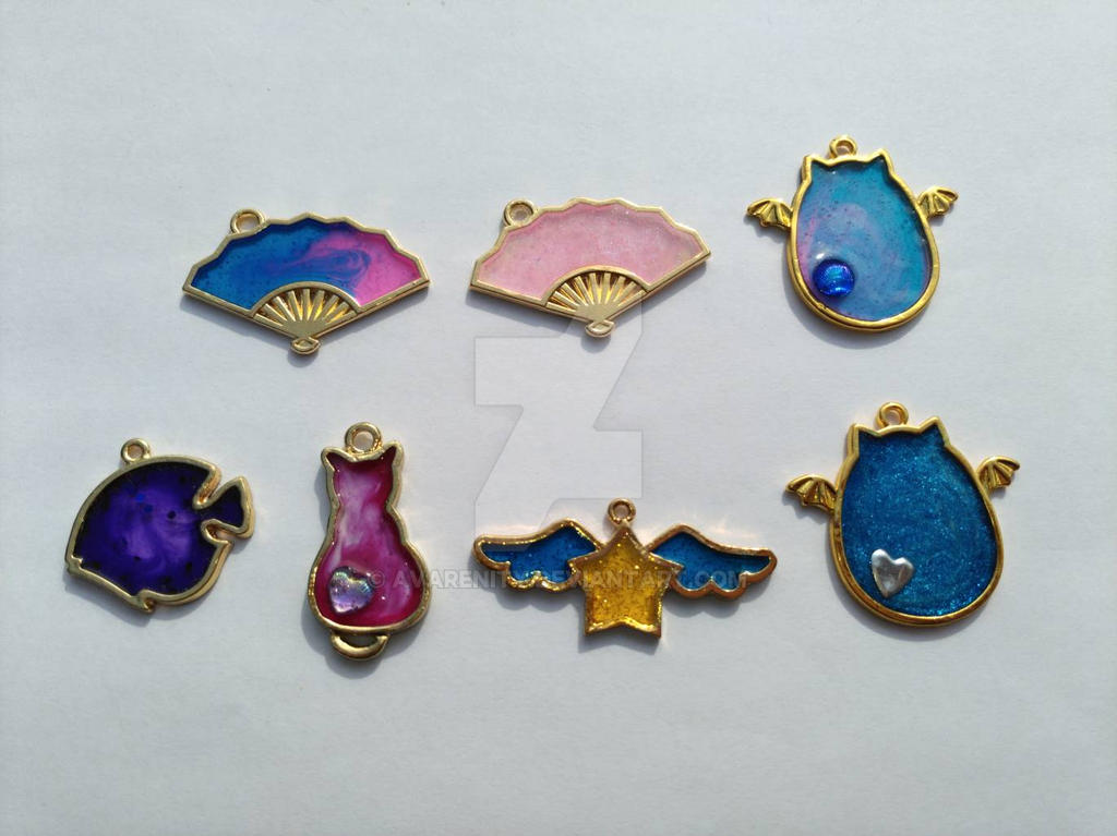 resin bezel charms by avarenity