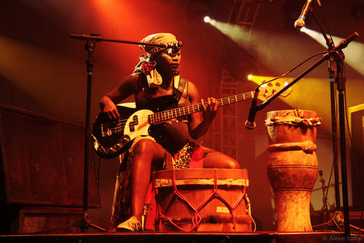 Mama Africa Sets The Groove - I