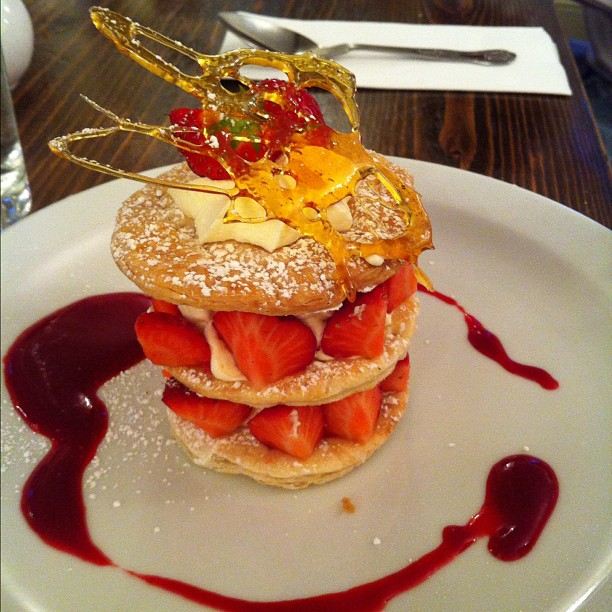 strawberry_mille_feuille_by_pixelwhore88-d5id2vb.jpg (612×612 ...