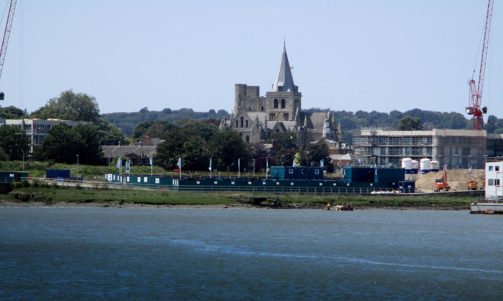 Cathedral and castle from sun pier by deepblank