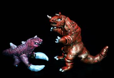 Elekura vs Kushumongo: Mini's by high-five-bro