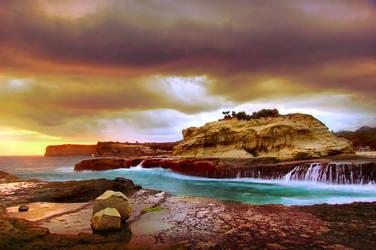 Stormy Beach by nooreva