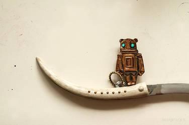 Iron Bear by KocieSamoZuo
