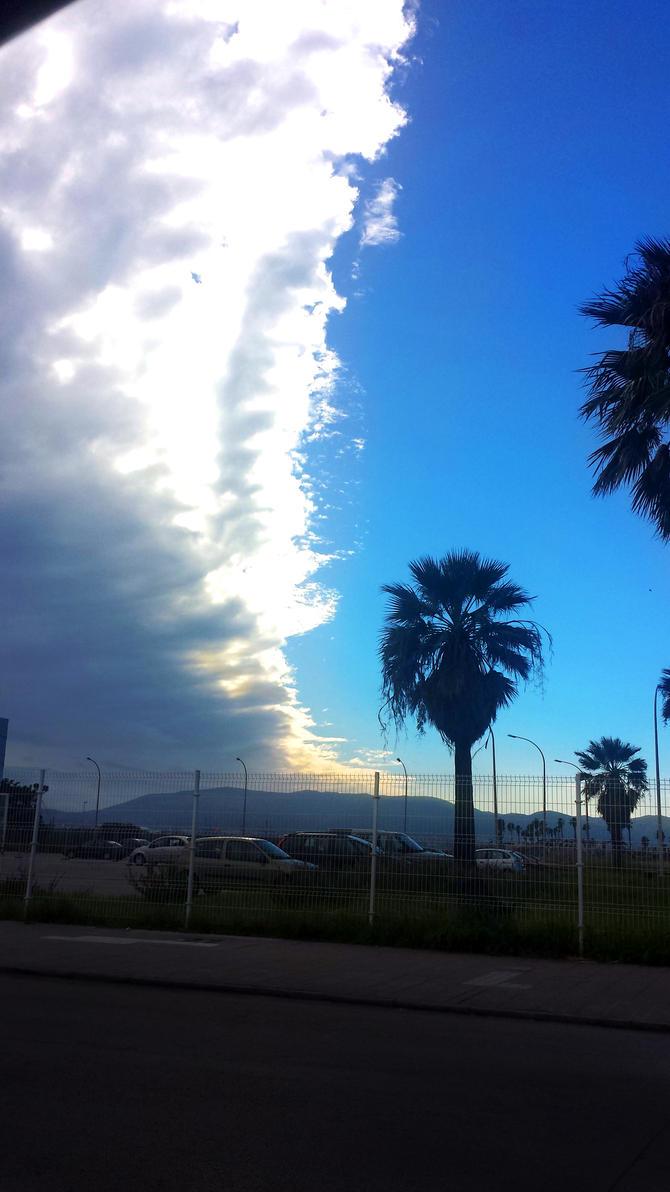 Splitted sky by Skadi-r