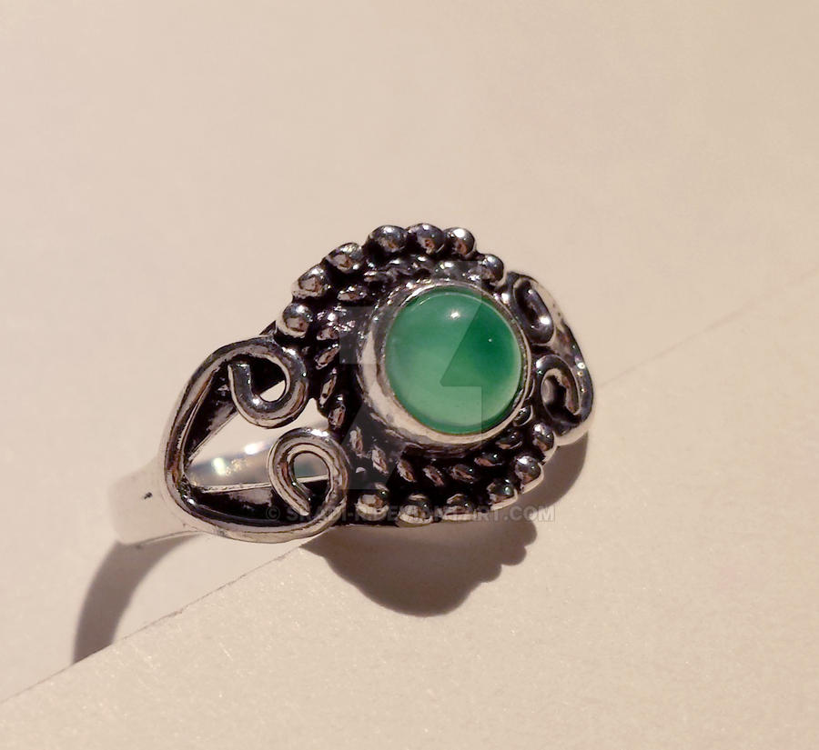Boho jade ring by Skadi-r