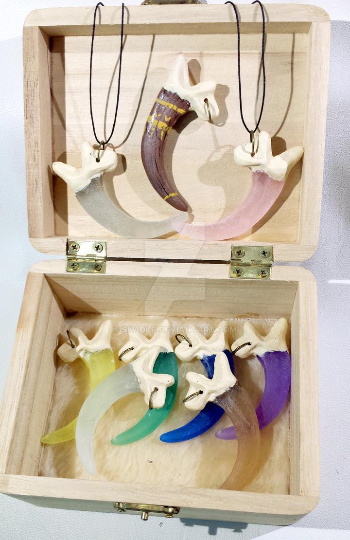Griffon amulets Chest by Skadi-r