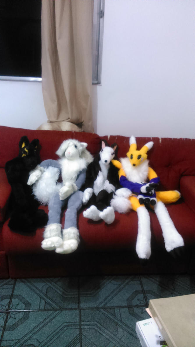 PLUSHIE FAMILY ON THE SOFA by sethzerr