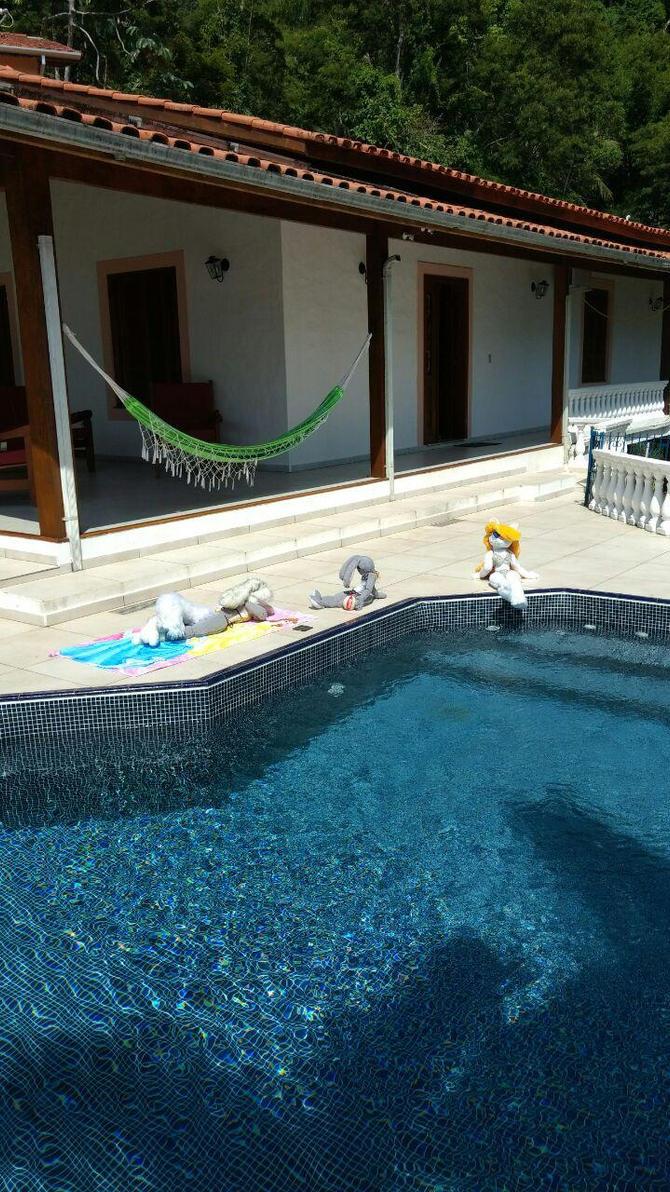 Sunbathing plushies by sethzerr