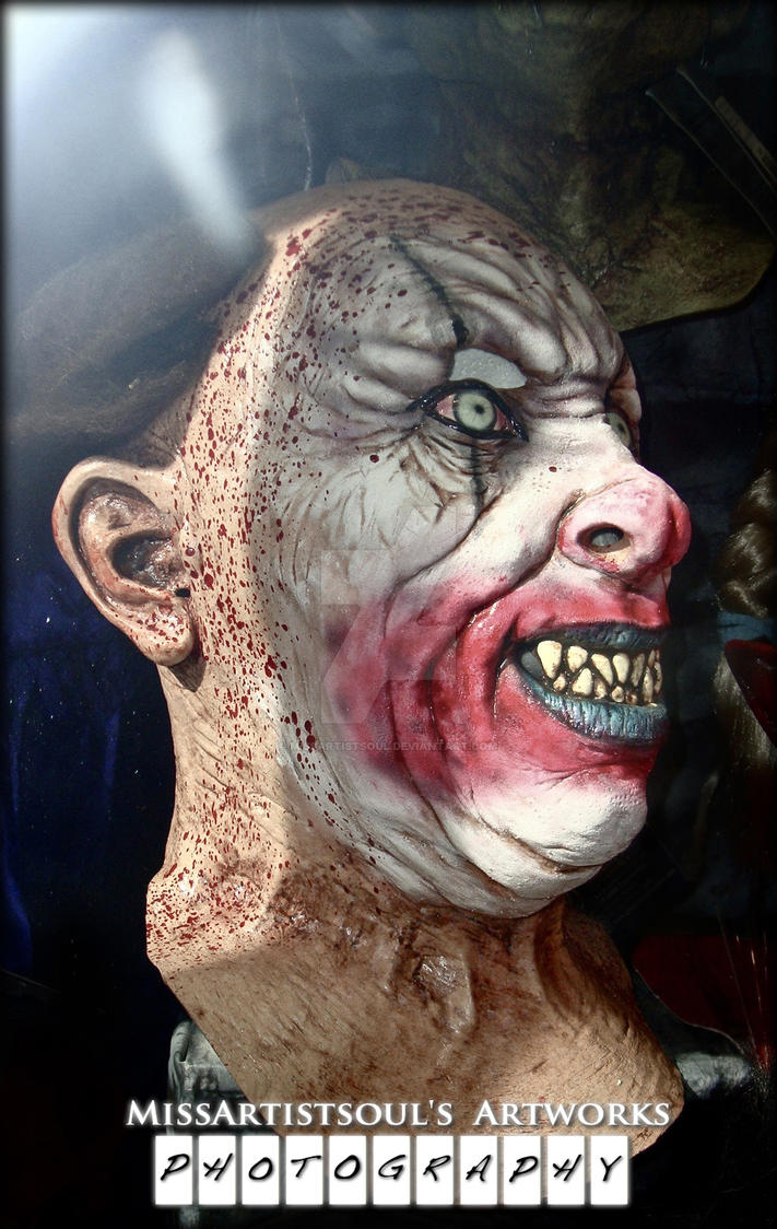 Sadistic Clown by MissArtistsoul