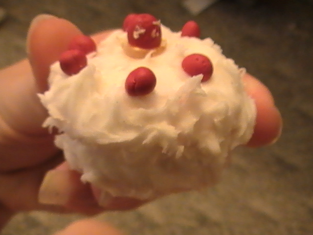 Fimo Miniature Cake by EarthDay-Nosebleeds