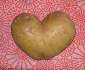 Lovely potato by IsisMasshiro