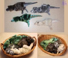 Tyrannosaurus hatchling - plushies by IsisMasshiro