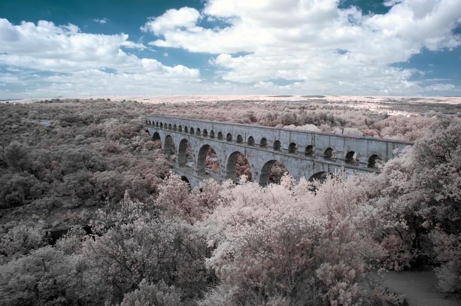 Pont du Gard IR by insolitus85