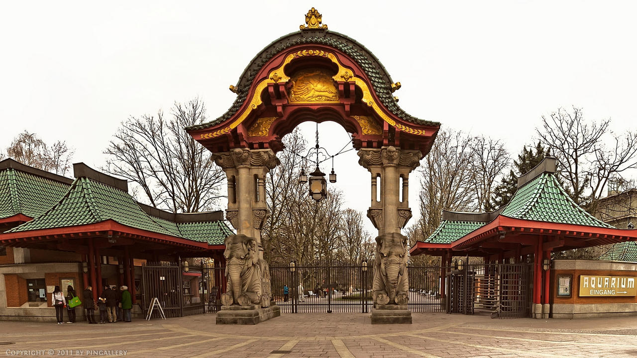 Berlin - Zoo Entrance by pingallery