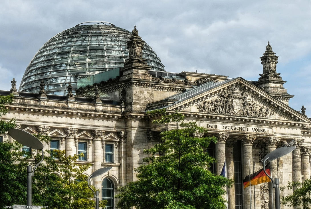 Berlin - Deutscher Reichstag by pingallery