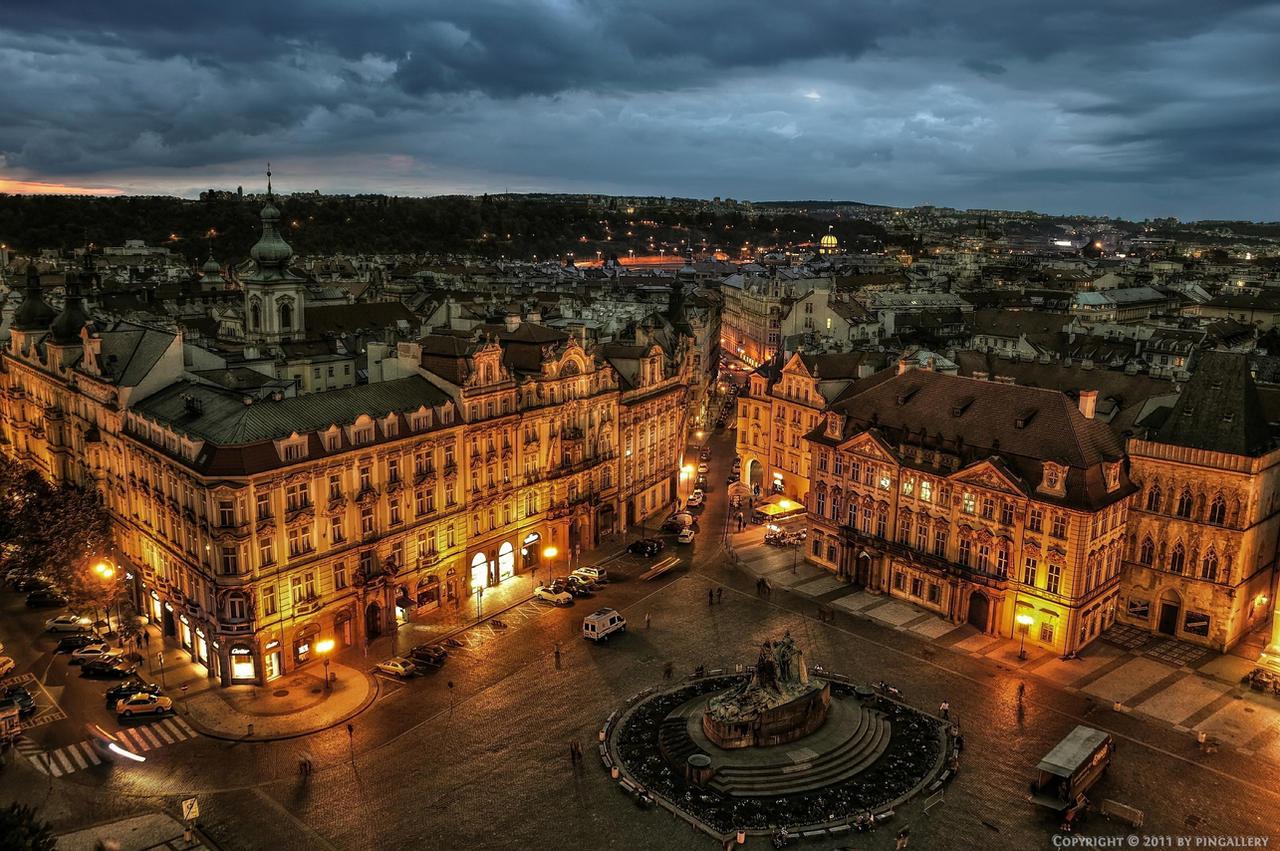 Prag-Old Town Square at Night