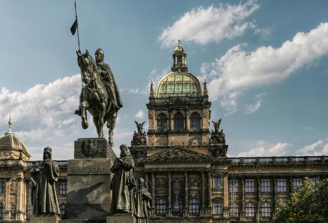 Narodni Muzeum - Prague by pingallery
