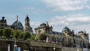 Dresden - Bruehlsche Terrasse by pingallery