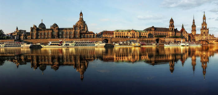 Dresden Skyline by pingallery