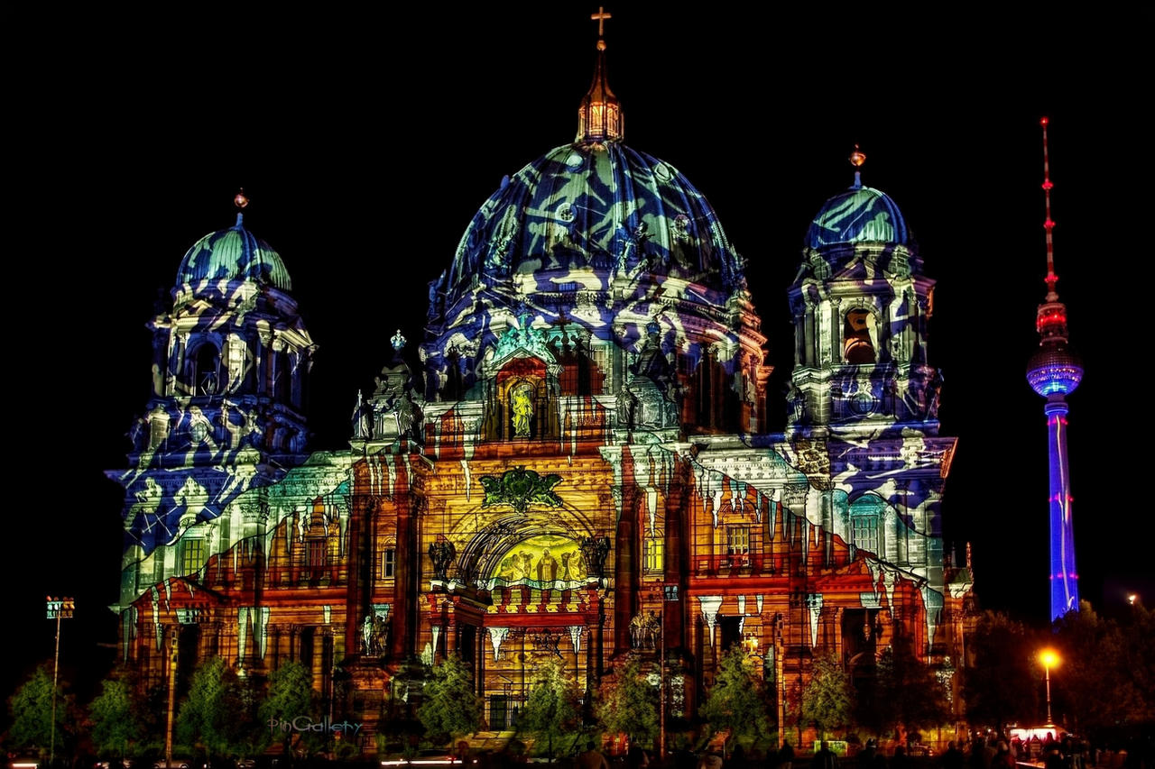 Berlin Cathedral - Festival of Lights 2012 by pingallery