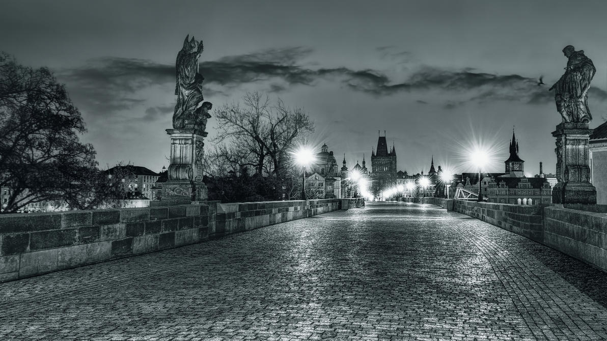 The bridge is deserted in the early morning by pingallery
