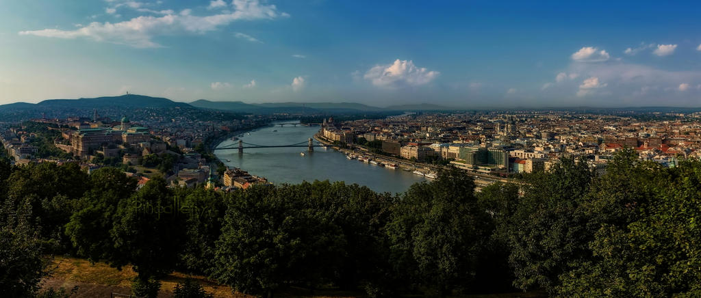 Budapest - the capital on the Danube by pingallery