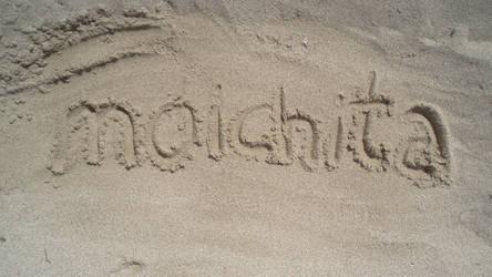 moichita goes to the beach