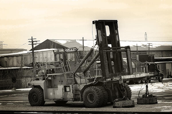Foundry Forklift by S-H-Photography