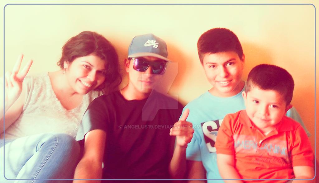 Mis primos y yo by Angelus19