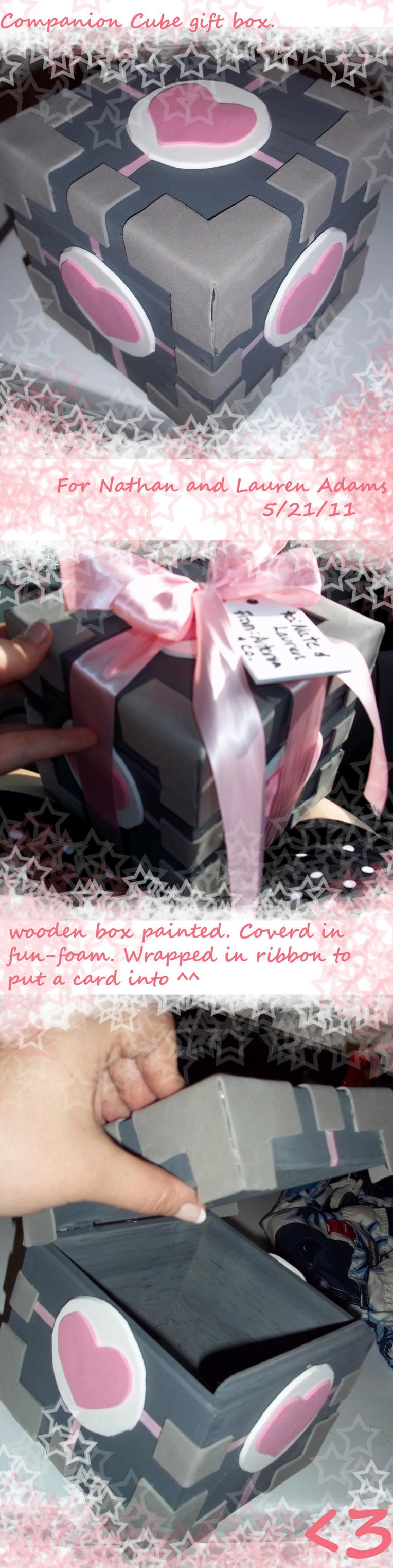 companion cube gift box. by AceroTiburon