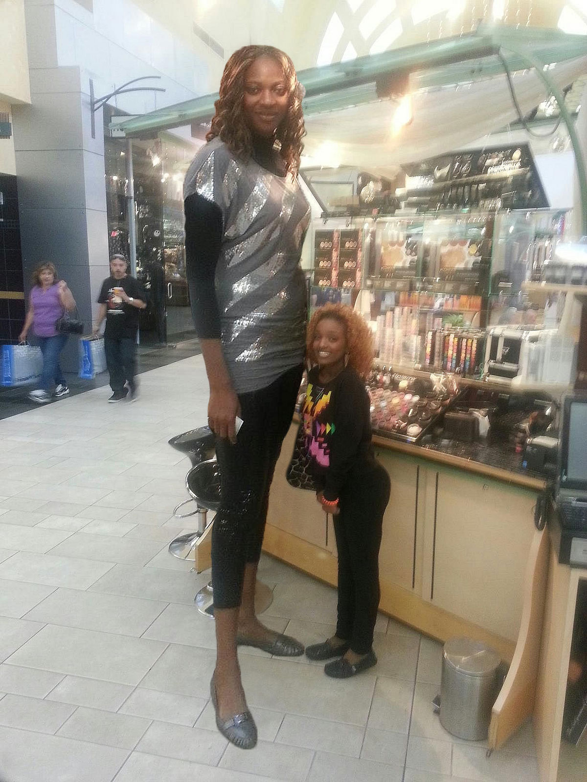 super tall woman at the mall by lowerrider on DeviantArt