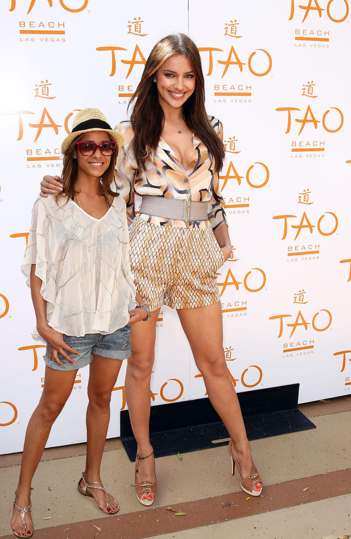 Irina Shayk Tall Irina Shayk And Dania Ramirez
